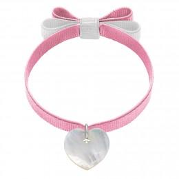 Náramek se srdcem z perleti na světle růžové stužce s dvojitou mašlí